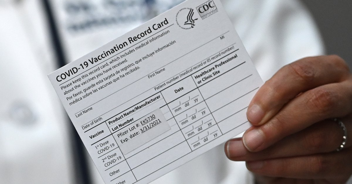 Biden Orders Vaccine or COVID-19 Test Mandate for Businesses With 100 or More Workers